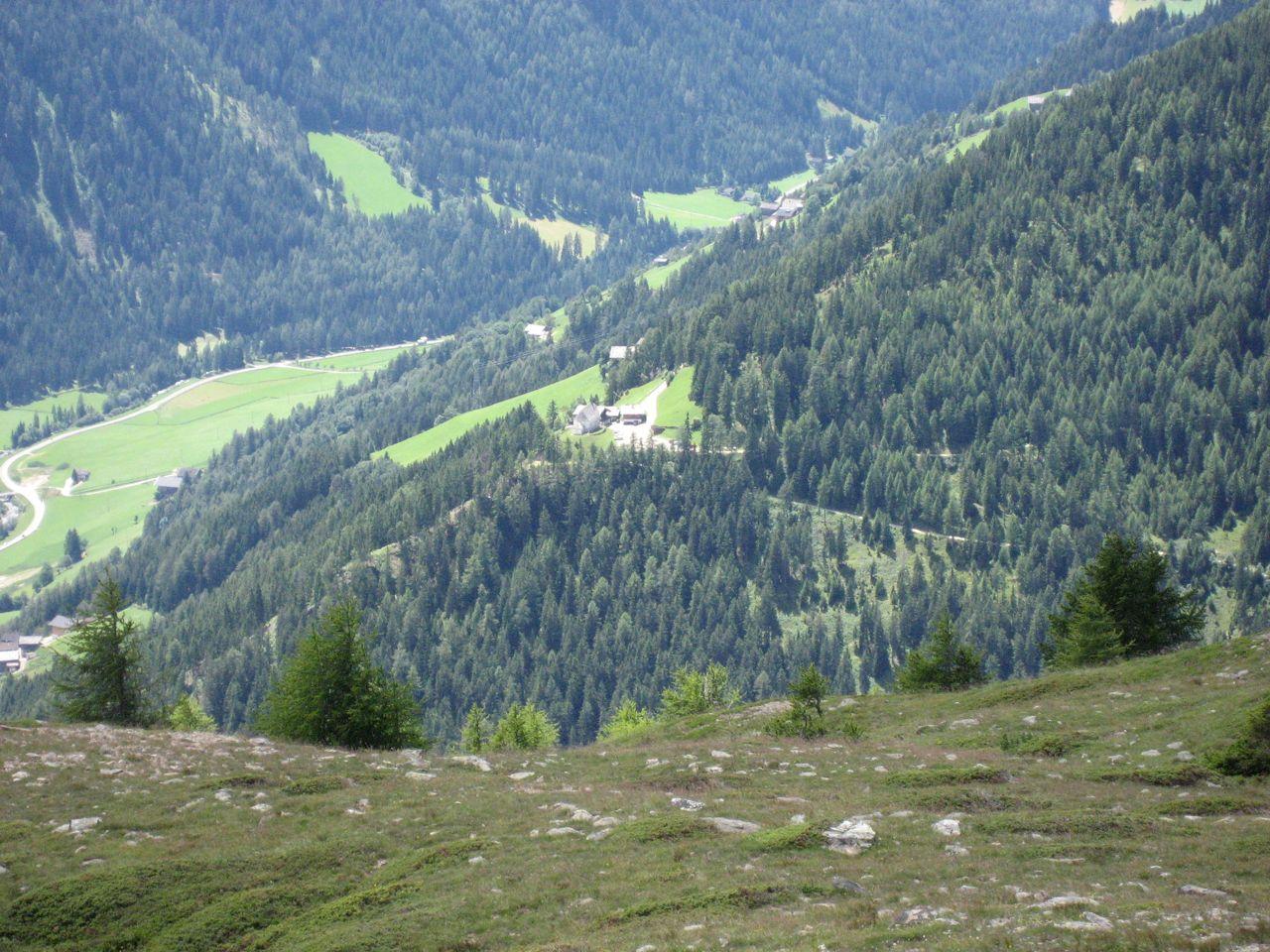 Blick hinunter auf Gasthaus Moritz